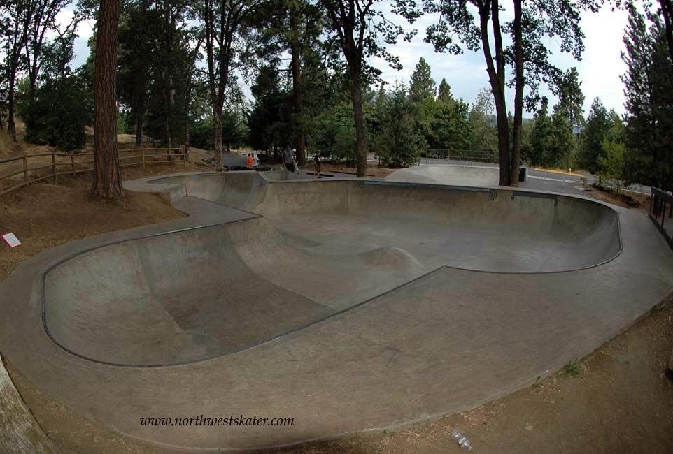 1 Hr Photo >> Hood River, Oregon Skatepark